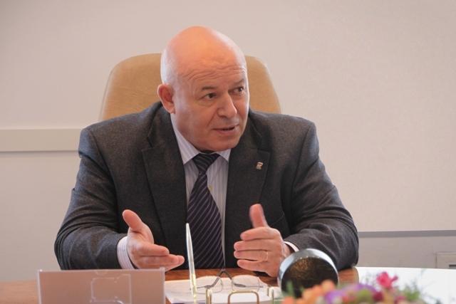 А. Тихомиров: В центре интересов – человек