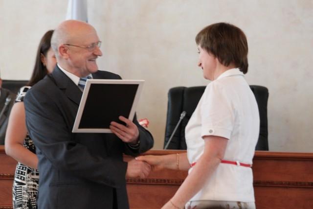 Депутаты областного парламента отмечены наградами области