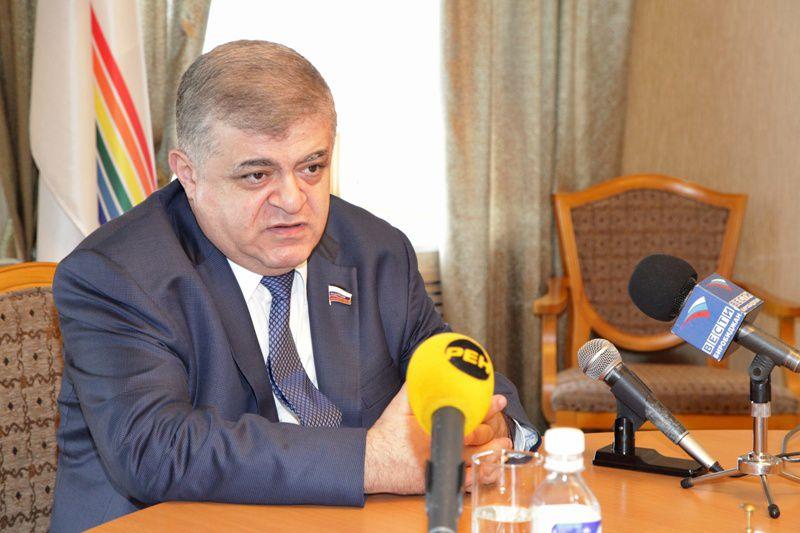 В. Джабаров в эти дни работает в ЕАО
