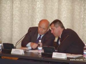 А.Ф. Тихомиров и Ю.И. Оноприенко в президиуме Регионального Совещания Парламентской Ассоциации Дальний Восток и Забайкалье