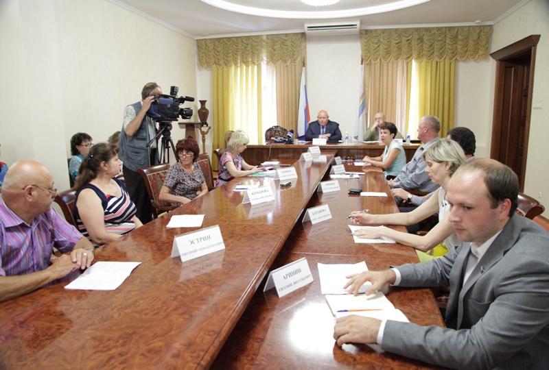 А. Тихомиров: Людям и бизнесу нужно упростить жизнь