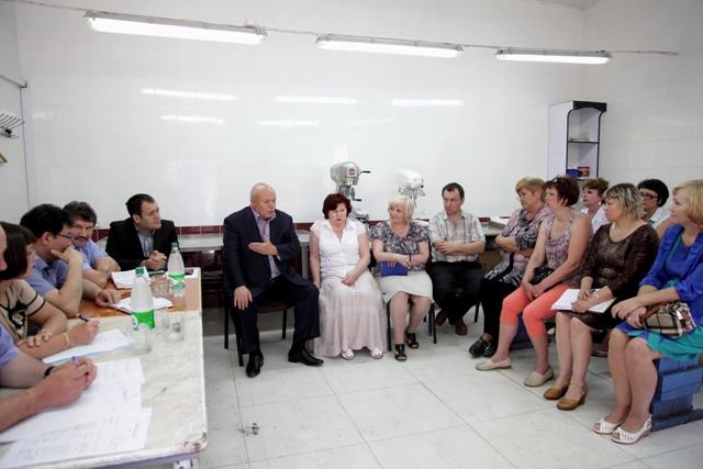 А. Тихомиров: Зарплату работникам «Биробиджан-молоко» выплатят полностью