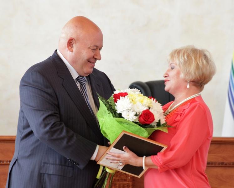 Воспитатели детсадов получили награды парламента ЕАО
