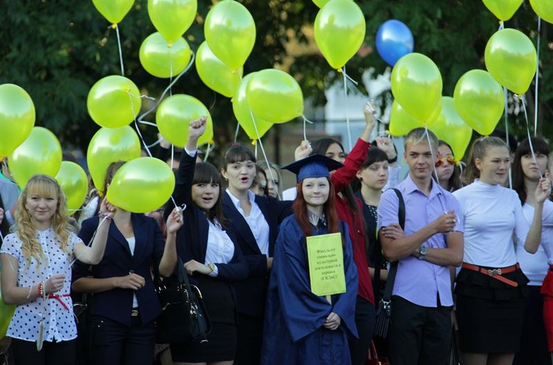 А. Тихомиров поздравил студентов ПГУ