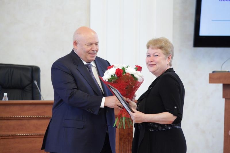 Награды парламента ЕАО вручены работникам МСУ