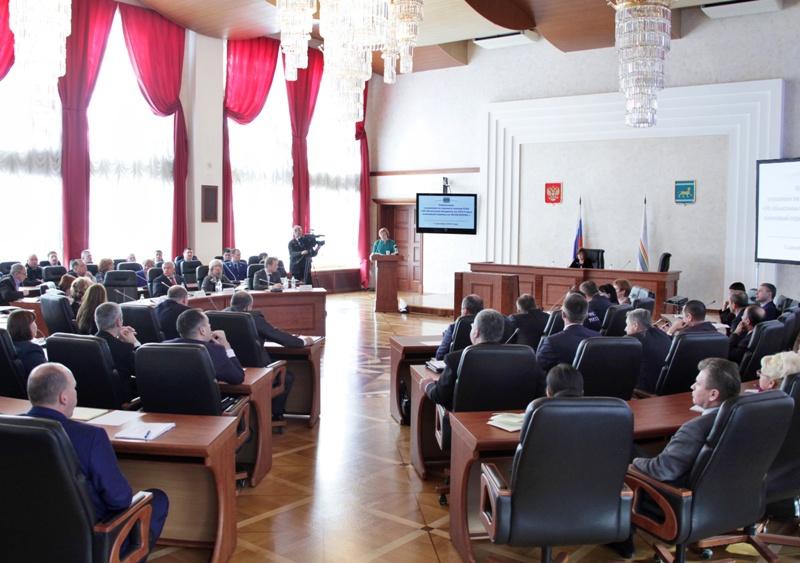 Состоялись публичные слушания по проекту областного бюджета