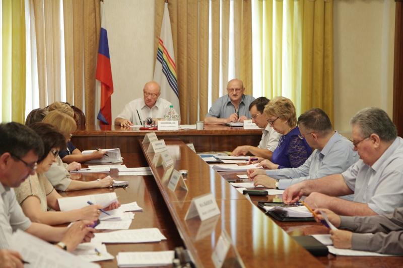 В парламенте ЕАО идут заседания постоянных комитетов