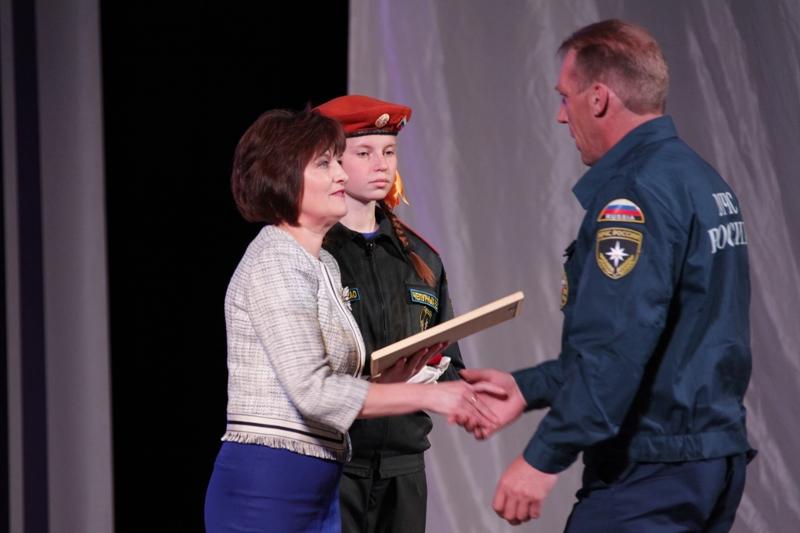 Награды парламента ЕАО вручены сотрудникам противопожарной службы