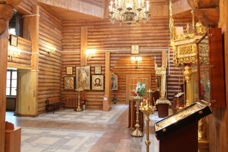 Храм св. Николая получил подарок от депутатов