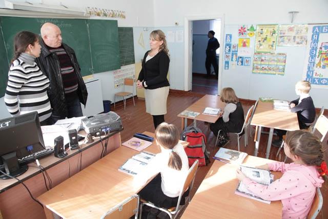 Началась рабочая поездка А. Тихомирова в Октябрьский район
