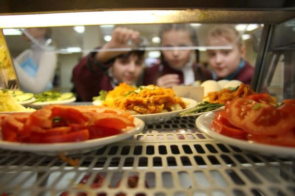 Расходы на питание в школьных интернатах могут увеличиться