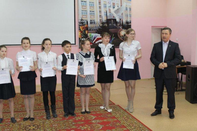 Премии «Сто пятерок» вручены отличникам Биробиджанского района
