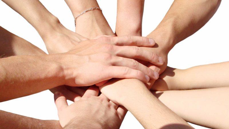В ЕАО объявлен конкурс «Благотворитель года»