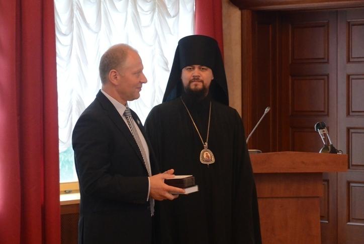 А. Бугулову вручена награда  РПЦ