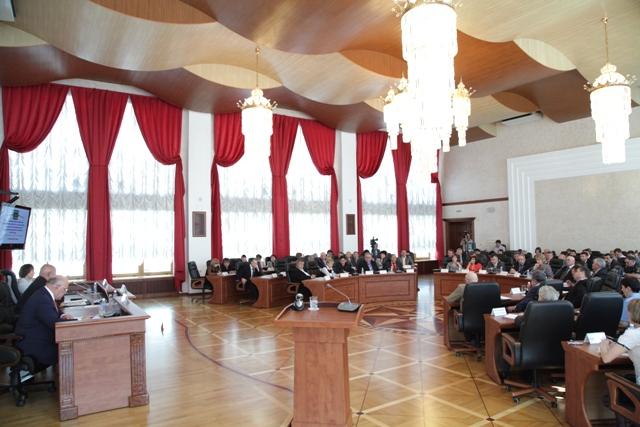 Губернатор ЕАО ответил на вопросы депутатов