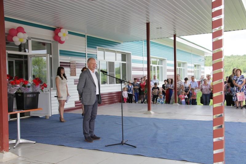 Депутаты поздравили работников Кимкано-Сутарского ГОКа