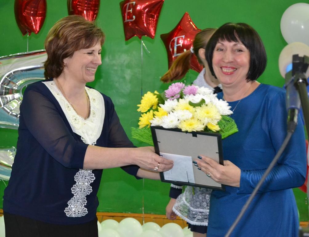 Г. Седова: Школа Николаевки сильна традициями