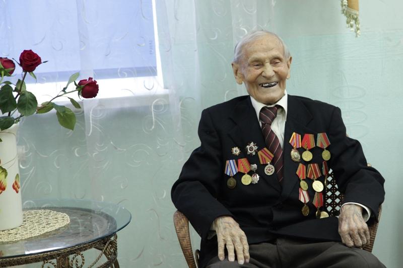 Депутаты поздравили участника войны А.П. Черных с днем рождения