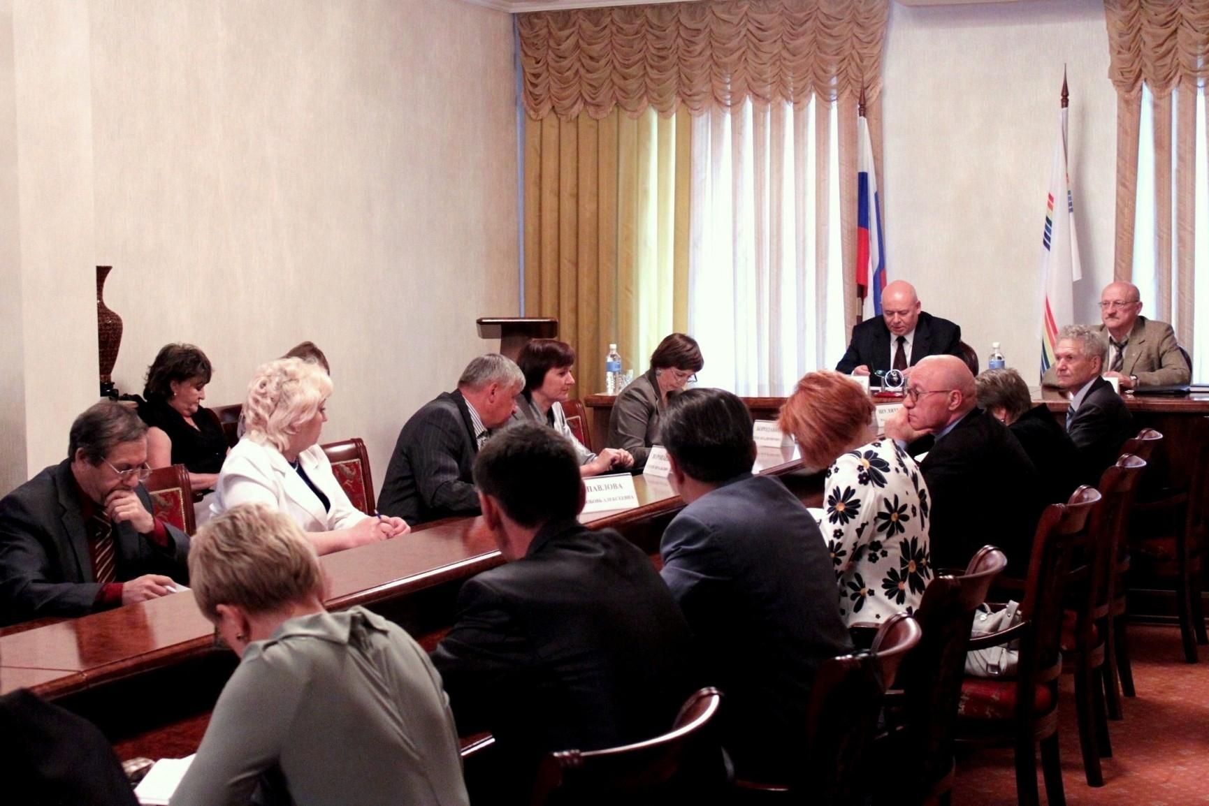 В парламенте ЕАО проходят заседания постоянных комитетов