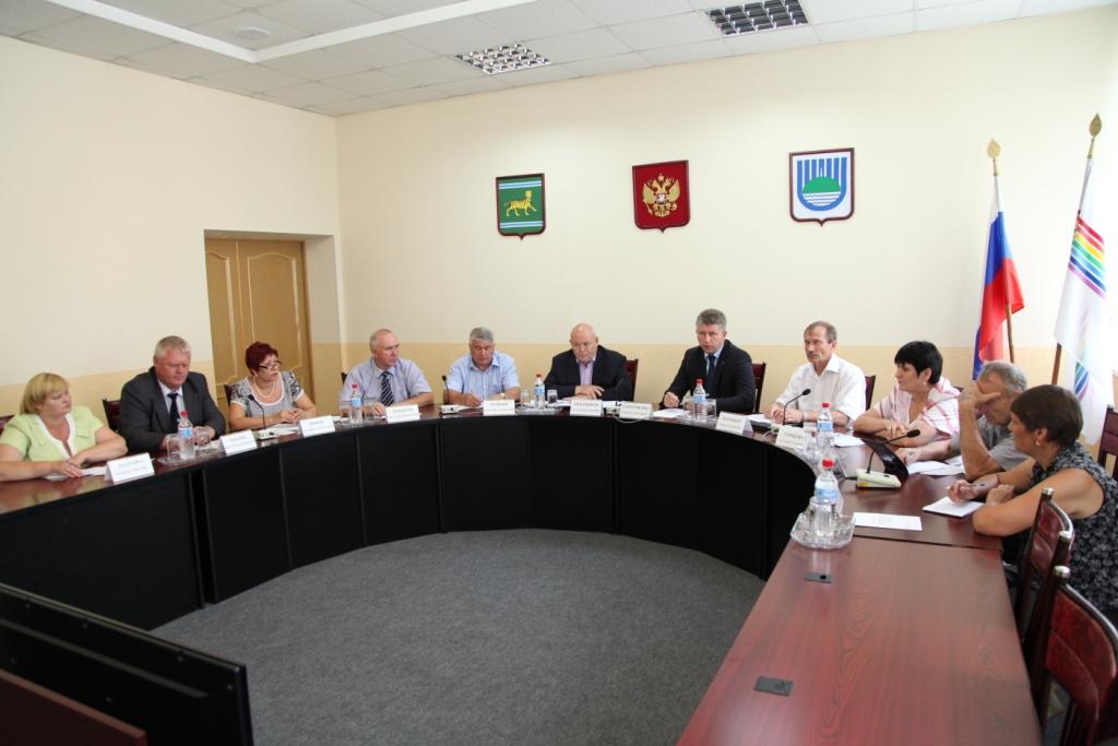 Депутаты обсудили тему господдержки многодетных семей