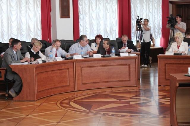 В законопроект о выборах губернатора предложены поправки