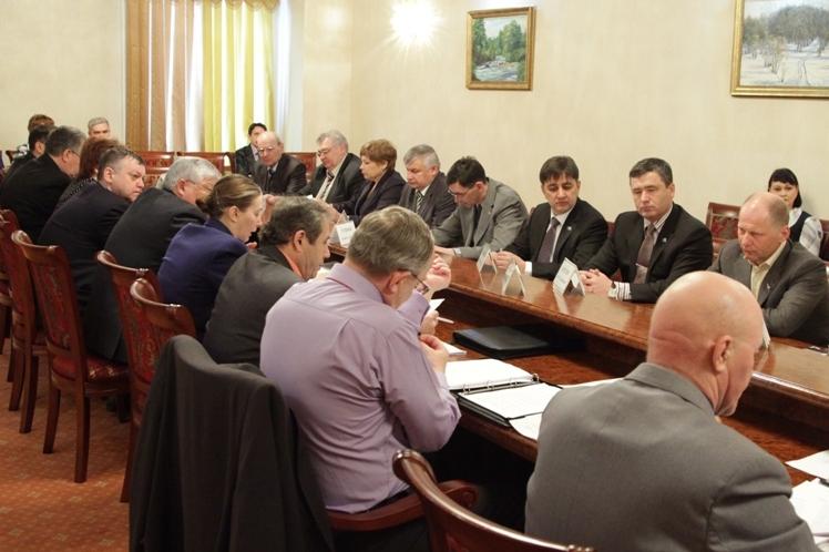 Депутаты предлагают поднять зарплату егерям