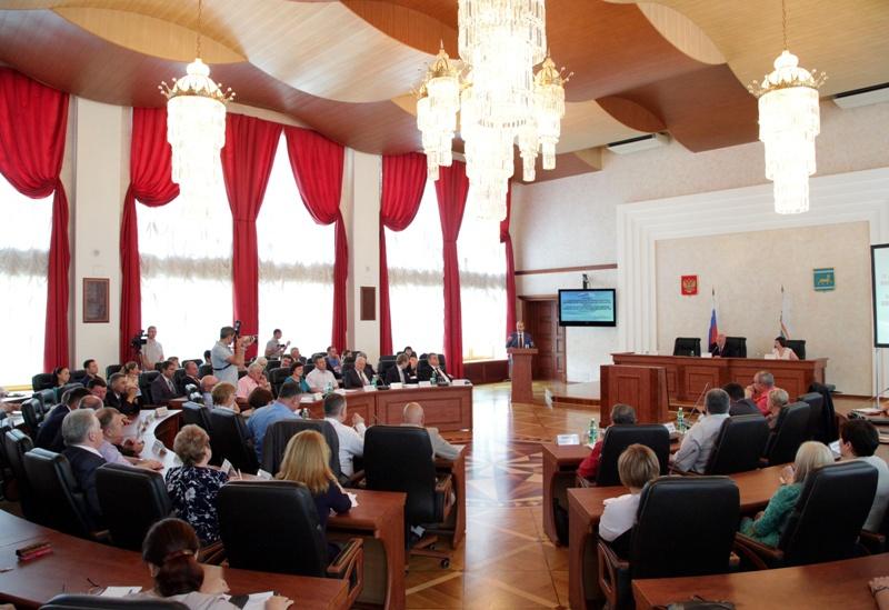 Депутаты заслушали отчет губернатора о работе правительства ЕАО