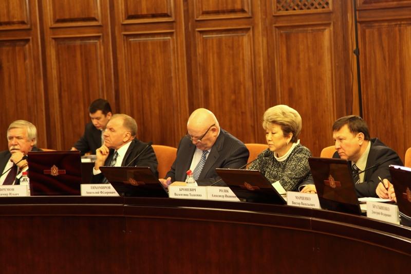 А. Тихомиров: Указы Президента развяжут многие узлы