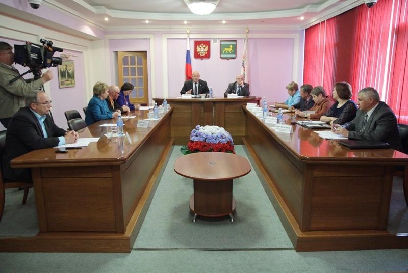 В парламенте ЕАО прошли публичные слушания об исполнении областного бюджета