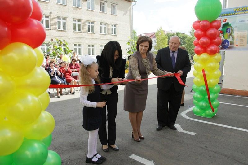 При поддержке депутатов открыт детский автогородок