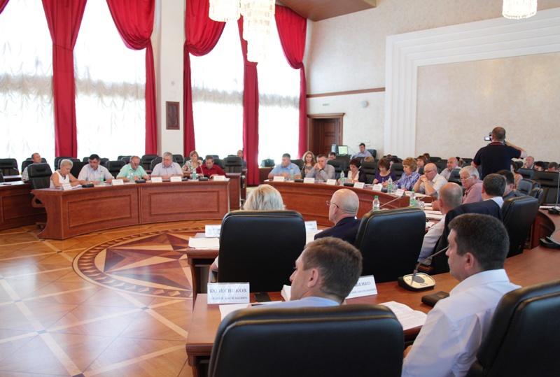 Депутаты завершили весеннюю сессию