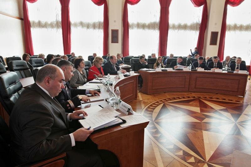 Предлагаются изменения в законы о муниципальной службе