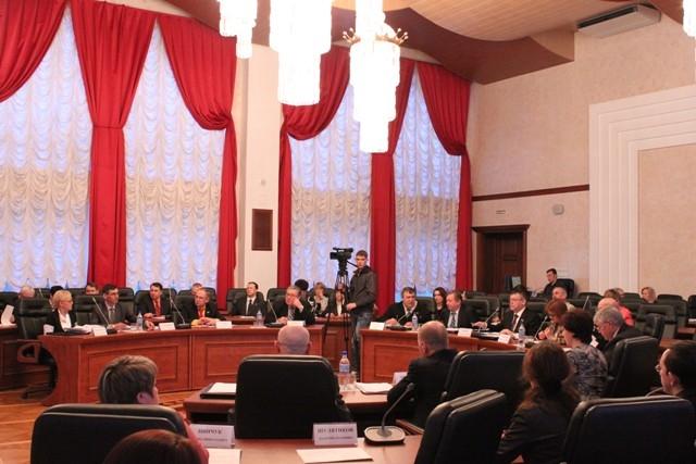 Обсуждается закон о выборах губернатора