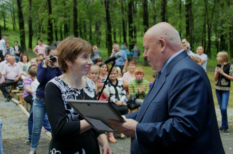 А. Тихомиров поздравил цементников с профессиональным праздником