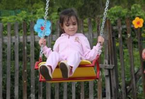 Депутаты открыли детскую игровую площадку в Бирофельде