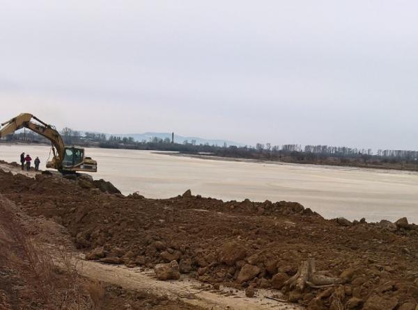 Рассмотрены перспективы развития водохозяйственного комплекса ЕАО