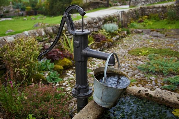 Дачников освободят отпошлины надобычу воды
