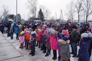 Депутаты поздравили жителей Биробиджанского района с Масленицей