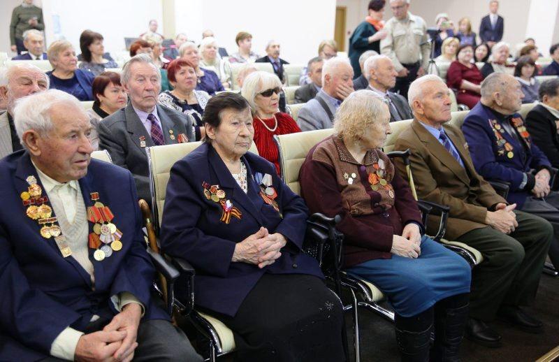 Депутаты поздравили ветеранов