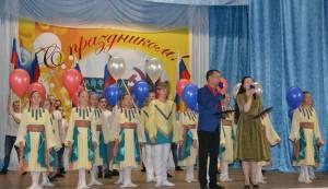 Законодатели поздравили жителей Найфельда с юбилеем села