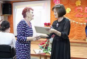 Награды парламента ЕАО вручены педагогам-ветеранам