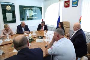 В.Джабаров и А.Тихомиров встретились с депутатами