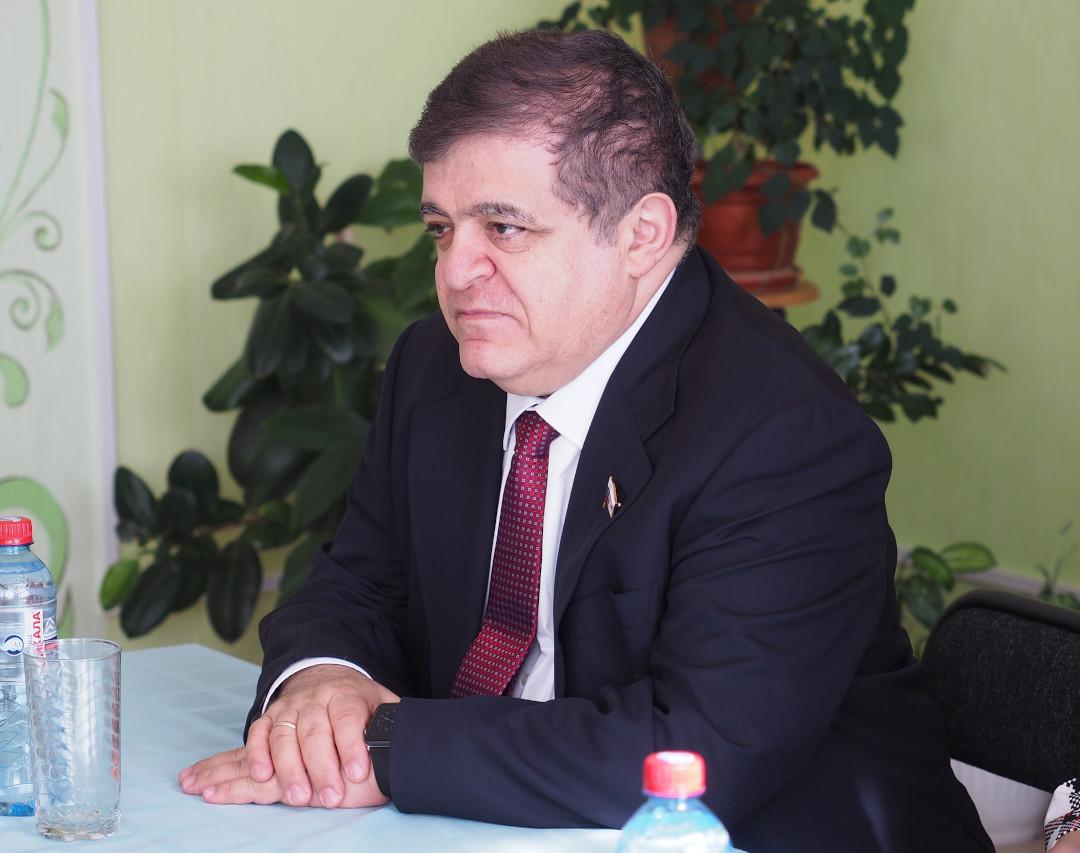 В. Джабаров награжден знаком «За вклад в развитие парламентаризма»