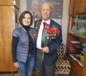 Л. Павлова поздравила Л.М. Брусиловского